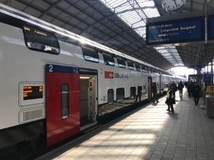 FV-Dosto im Bahnhof Olten