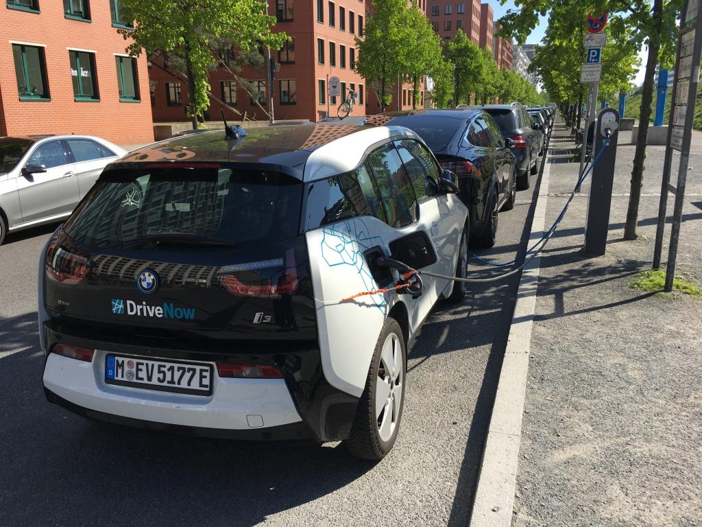 DriveNow BMW Berlin Elektroauto